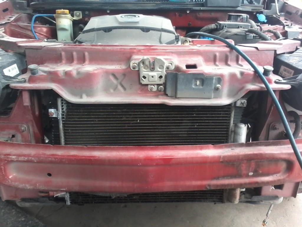 Condensador reparado y colocado